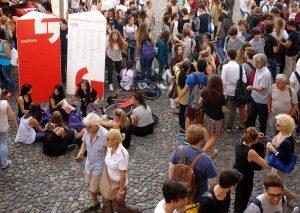 Fstivalfilosofia ereditare _ Pubblico in Piazza Grande a Modena